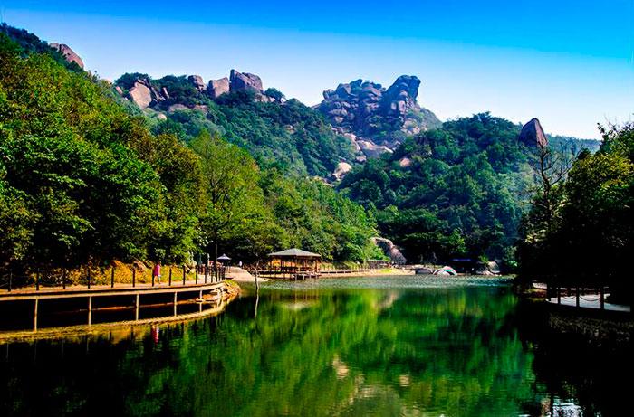 【巨石山景区官网】 520玻璃观景台 玻璃栈道 兰香村